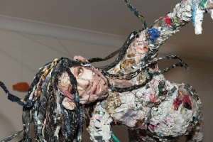 Love and compassion – sculpture by ilka Leukefeld